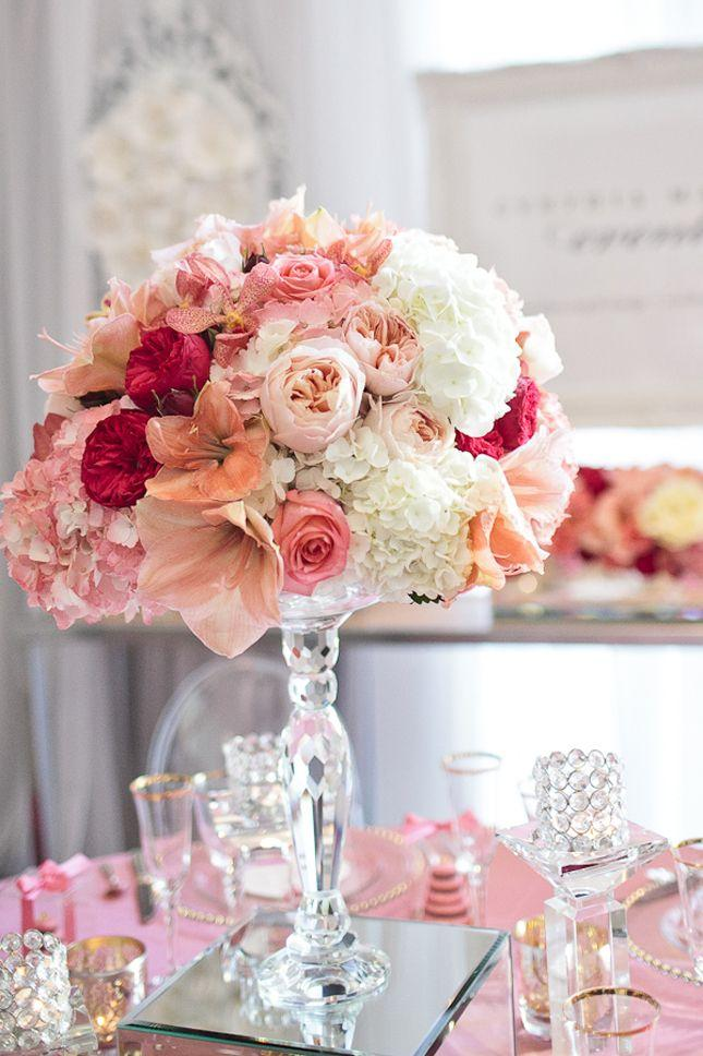 Mariage - Fabulous Peach And Pink Wedding Centerpiece On A Mirrored Pedestal