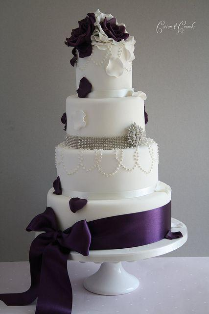Wedding CakeTouched By Time Vintage Rentals 2371199