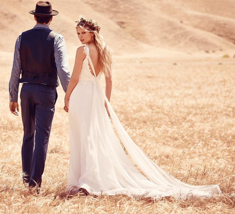 Mariage - Fantastic Sexy V-neck Summer Boho Wedding Dresses Chapel Train Lace And Chiffon Beach Wedding Dress Plus Size Online with $115.19/Piece on Gama's Store
