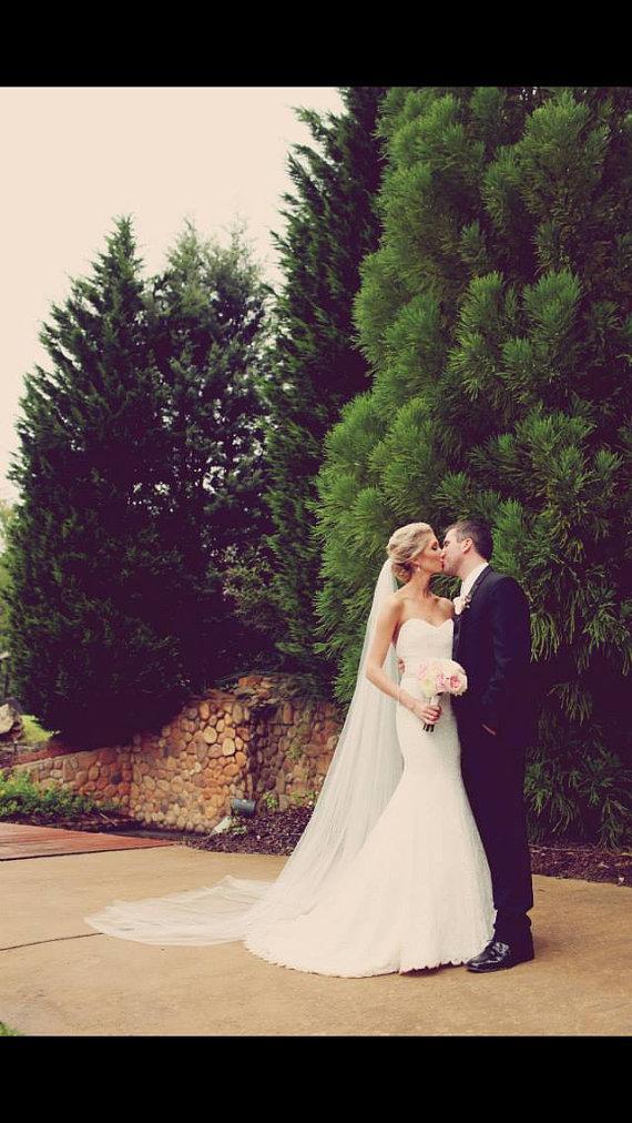 Mariage - Single layer cascading cathedral elegant wedding bridal veil 108 white, ivory or diamond