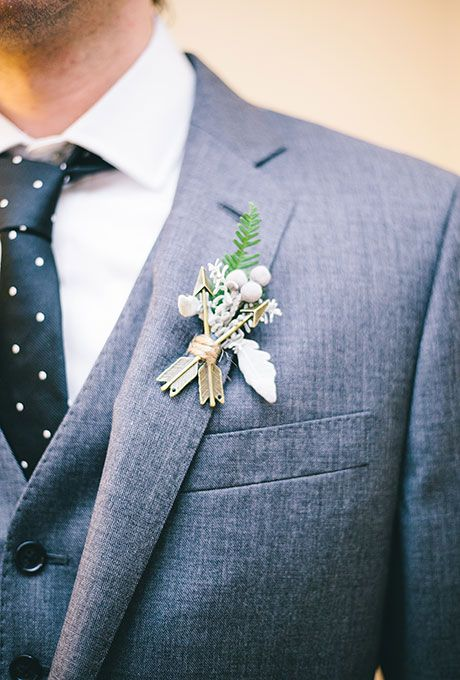 Свадьба - A Modern Boutonniere With Arrows & Berries