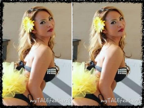 Mariage - Yellow Bling Bikini Veil by myTALEfeathers® - Bachelorette Party - Bling Bikini Veil - Booty Veil - Rave - Cruise - Honeymoon -Vegas - Bling