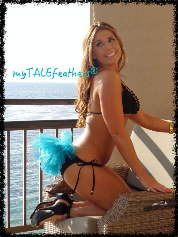 Mariage - Turquoise Bling Bikini Veil - by myTALEfeathers® - Bachelorette Party - Rave - Bling Bikini Veil - Booty Veil - Bride Bling - Cruise - Vegas