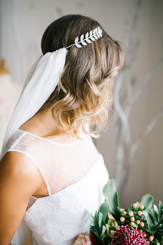 Mariage - Bachelorette Veil, Bachelorette Tiara, Crystal Tiara, Bride To Be Veil, Bride Gift, Bachelorette Party, Bridal Shower, Party Veil