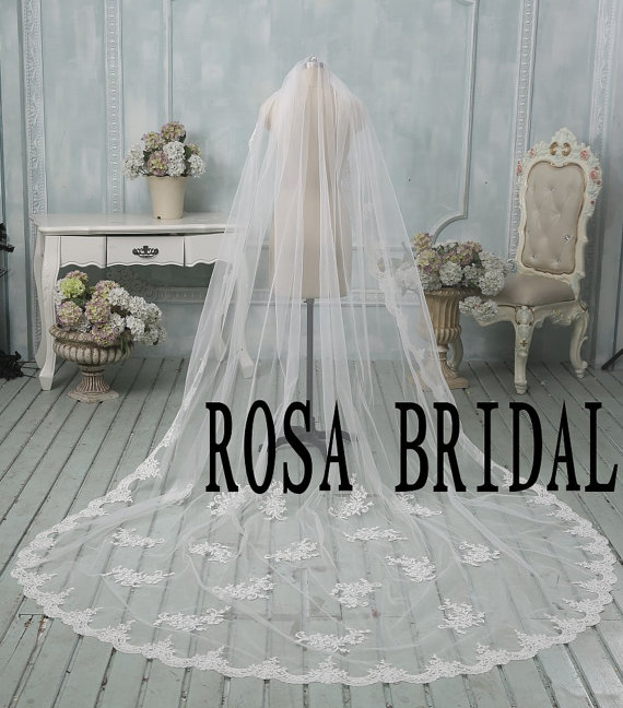 Wedding - Lace edge Bridal veil cathedral, Long wedding veil, Lace edge long wedding veil, Wedding bridal veil, 1T bridal veil with comb White / Ivory