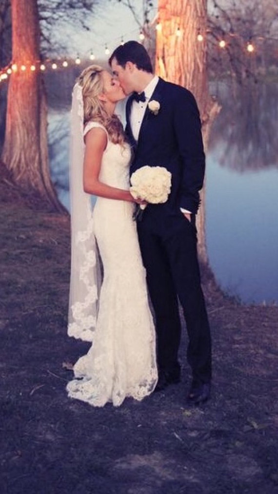 Wedding - Cascade Lace Wedding Veil