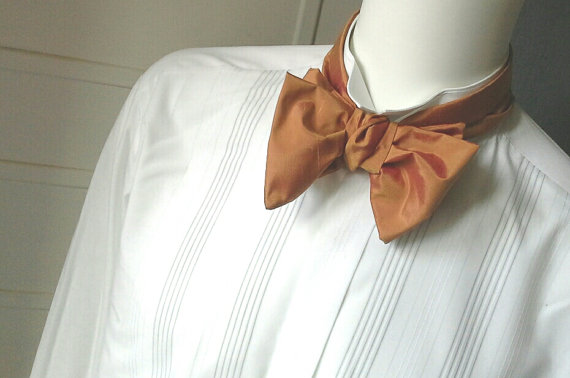 Свадьба - Mens bow tie, for him, pure silk, freestyle, hand painted, terracota colour, self tie.