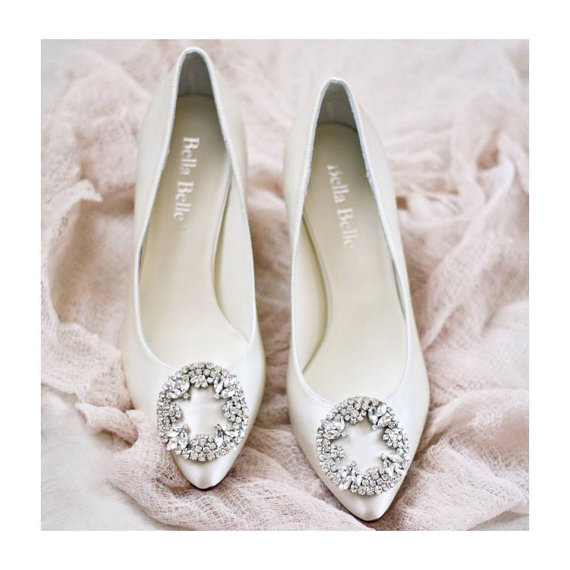 Wedding Shoes Low Heels With Vintage Oval Crystal Rhinestone Brooches Ivory Or White Bridal