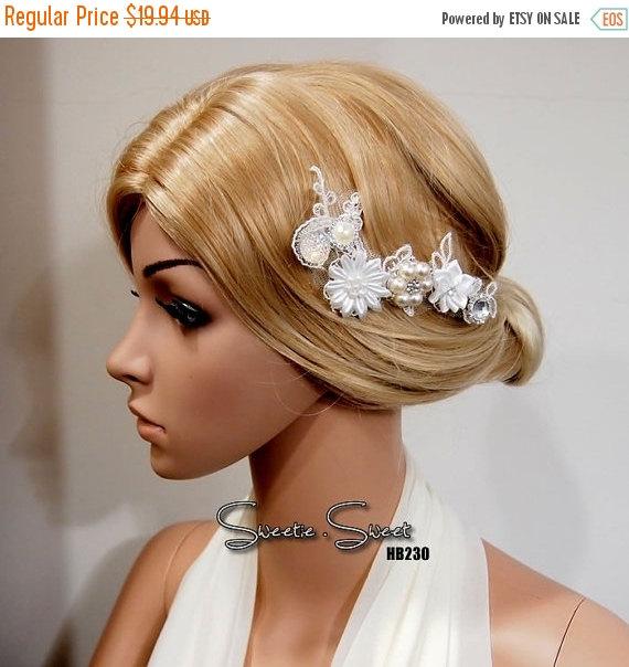 Mariage - 40% SALE Bridal Head piece, Bridal Hair Comb, Wedding Hair Comb, bridal Fascinator, Bridal Hair Clip, Wedding Fascinator, Ivory lace flower