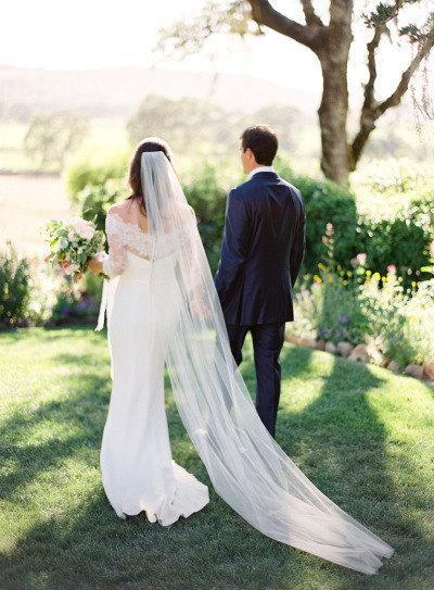 Свадьба - Chapel length Wedding Bridal Veil 90 inches white, ivory, Wedding veil Long bridal Veil chapel length veil bridal veil cut edge veil