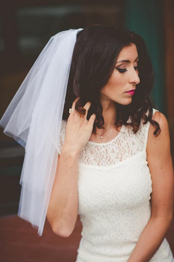 زفاف - Bachelorette Party Veil Clip or comb, white veil
