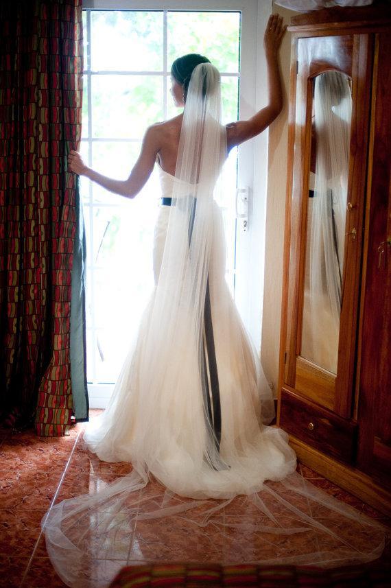 زفاف - cathedral length Wedding Bridal Veil 108 inches white, ivory or diamond