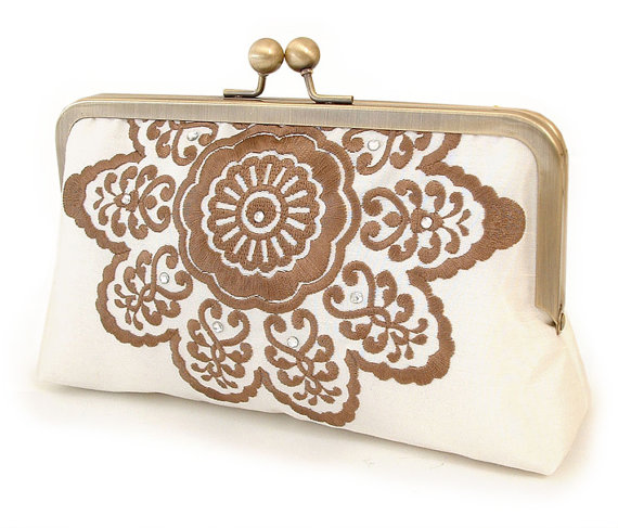 Hochzeit - ON SALE: Cocoa belle clutch, embroidered bridal purse / wedding accessory / bridesmaid gift