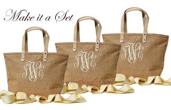 Свадьба - Set of 7 Monogrammed Natural Color Jute Bridesmaid Totes Bags - Personalized Burlap totes - Beige, Sand, Beach, Tropical - jute summer purse