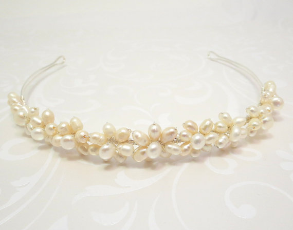 Mariage - Freshwater Pearl Bridal headband, Wedding headband, Bridal hair accessory, Pearl headpiece, Pearl headband, Bridal headpiece, Simple
