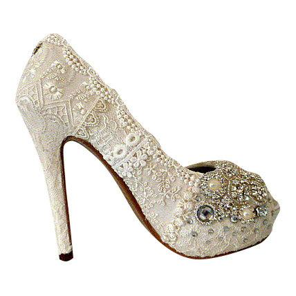 Mariage - Vintage Lace Wedding Shoes .. 5 inch heel ..Bridal High Heels ..Lacy Bridal Shoes ...Crystals and Pearls .. Free US postage