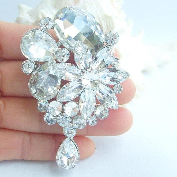 Hochzeit - Beautiful Wedding Ornaments Vintage Style Rhinestone Crystal Water Drop Flower Bridal Brooch, Wedding Decorations, Bridal Jewelry BP02092C1
