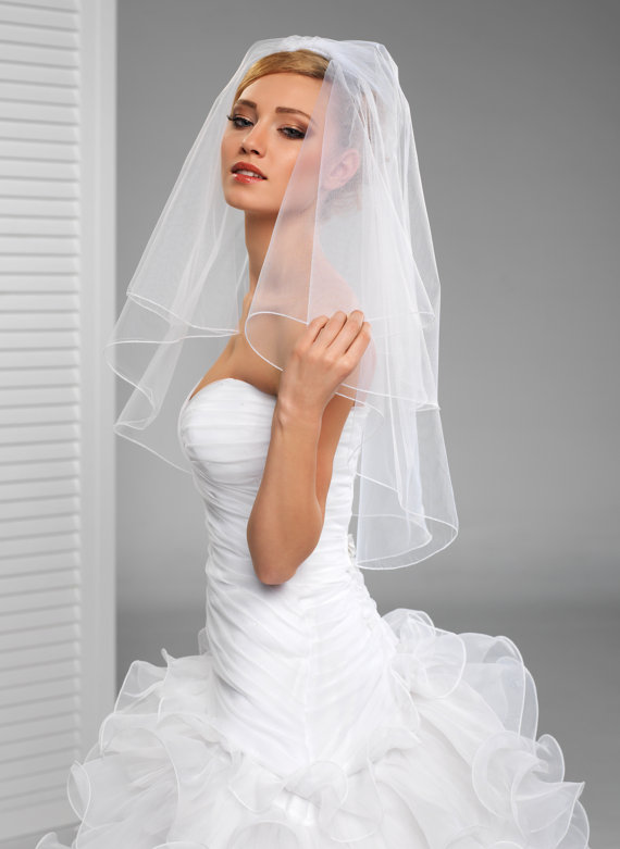 Mariage - 2 Tier Simple Bridal Wedding Veil with cording edge in white or ivory