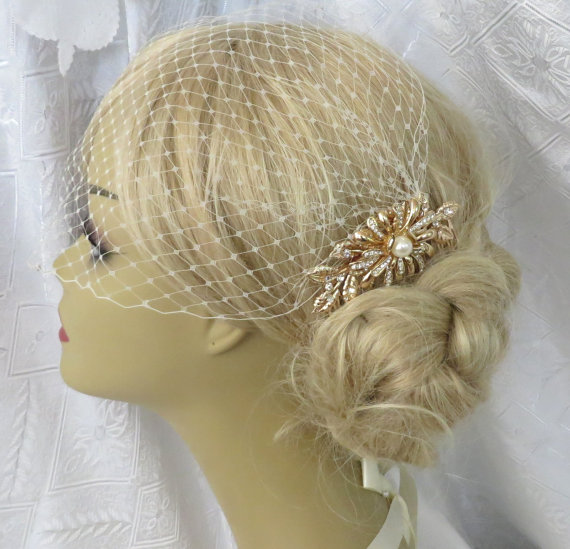 Wedding - Golden Comb and Birdcage Veil Floral Hair Comb Wedding Hair Comb, Bridal Hair Comb Gold Comb Gold Plated a headpieces rhinestone brida