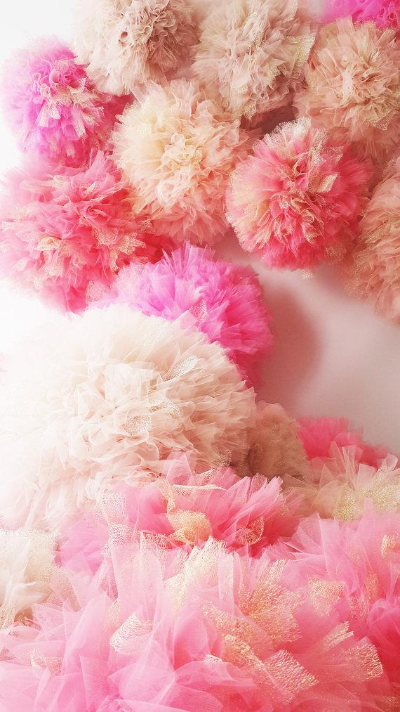 Свадьба - Shaby Chic  Tulle Pompoms with Golden Tulle