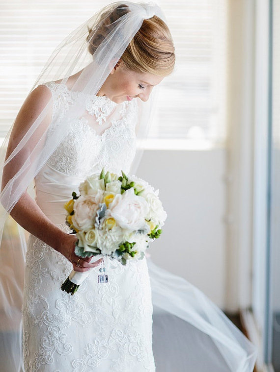 "Mariage - Chapel Wedding Veil Single Tier Standard Fullness 70"" Cut Edge CE90X70"