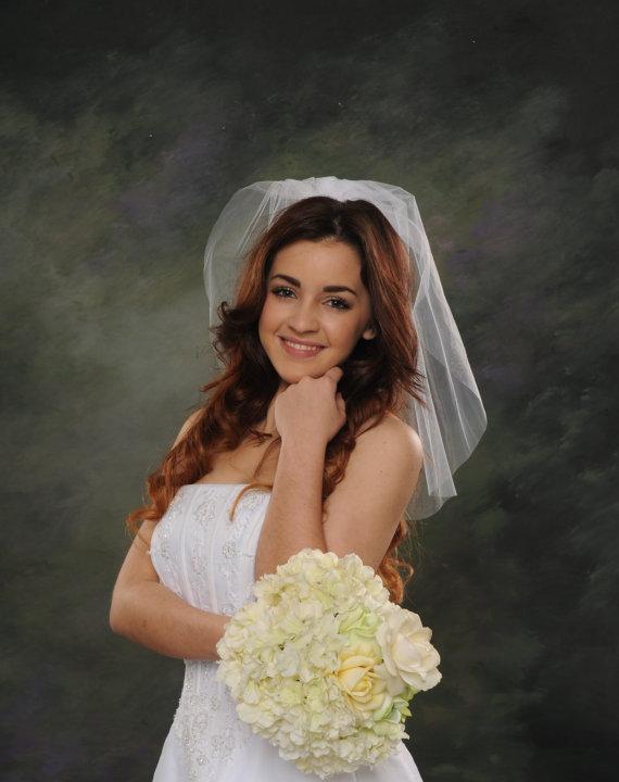 Mariage - One Tier Bridal Veil Light Ivory Shoulder Length 20 Circular Silk White Wedding Veil Diamond White