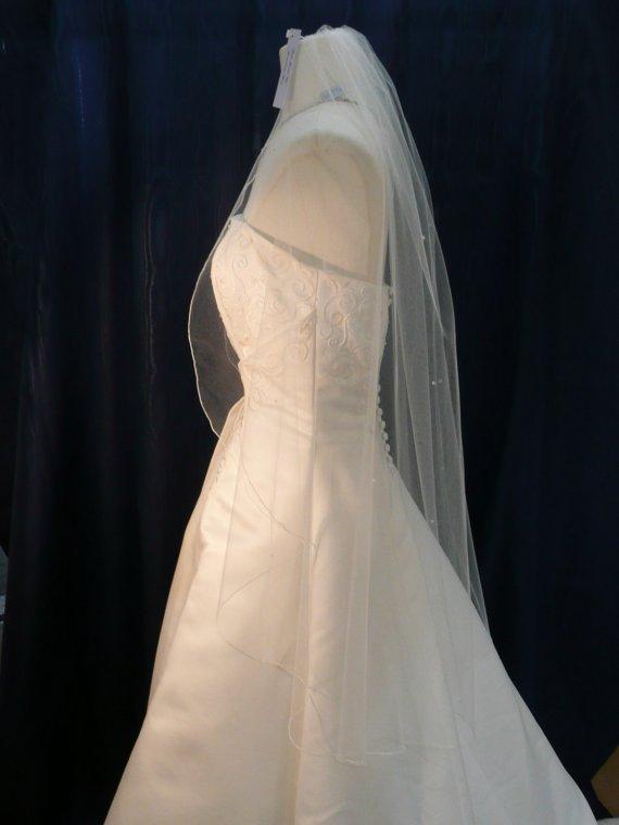 زفاف - Cascading Waterfall style wedding veil featuring a sprinkling of  Swarovski Crystals