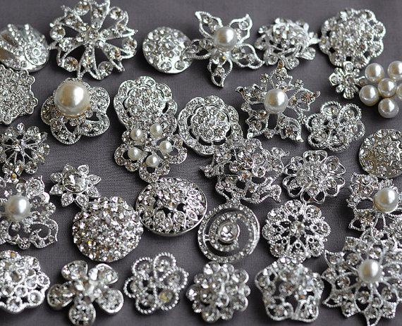 Mariage - 10 Large Assorted Rhinestone Button Brooch Embellishment Pearl Crystal Wedding Broach Bouquet Cake Hair Comb BT165