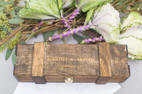 Mariage - Engraved Wine Box Personalized Rustic Distressed Vineyard Wedding Gift Box