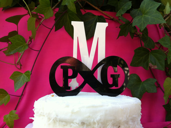 Mariage - Acrylic Infinity and 3 Initials Personalized Monogram Letter Custom Wedding Cake Topper