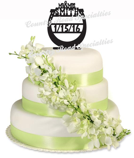 Western Horseshoe Date Mr & Mrs Surname Personalized Wedding Cake ...