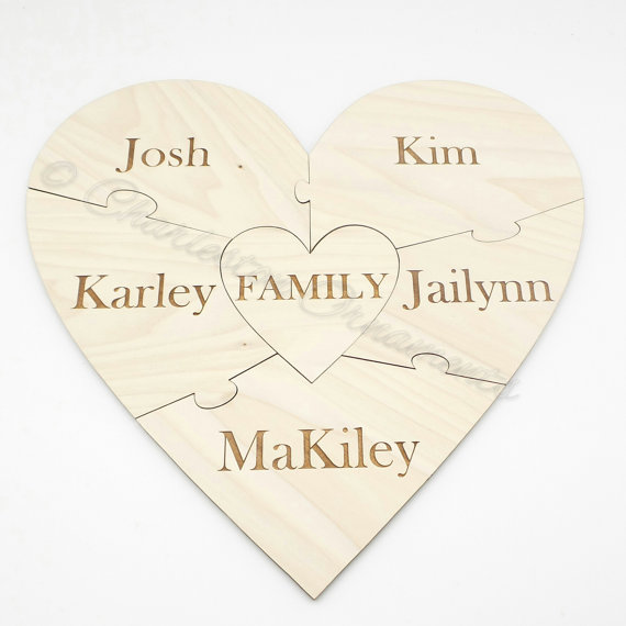 Mariage - Custom Family Wooden Heart Puzzle - Family Unity Puzzle - Pregnancy Puzzle - Wedding Announcement Puzzle - Baby Reveal - 6 PC - Engraved