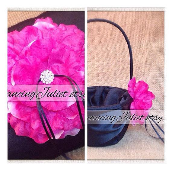 Свадьба - 10 Inch Satin and Sash Ring Bearer Pillow/Flower Girl Basket Set..shown in black/black/fuschia
