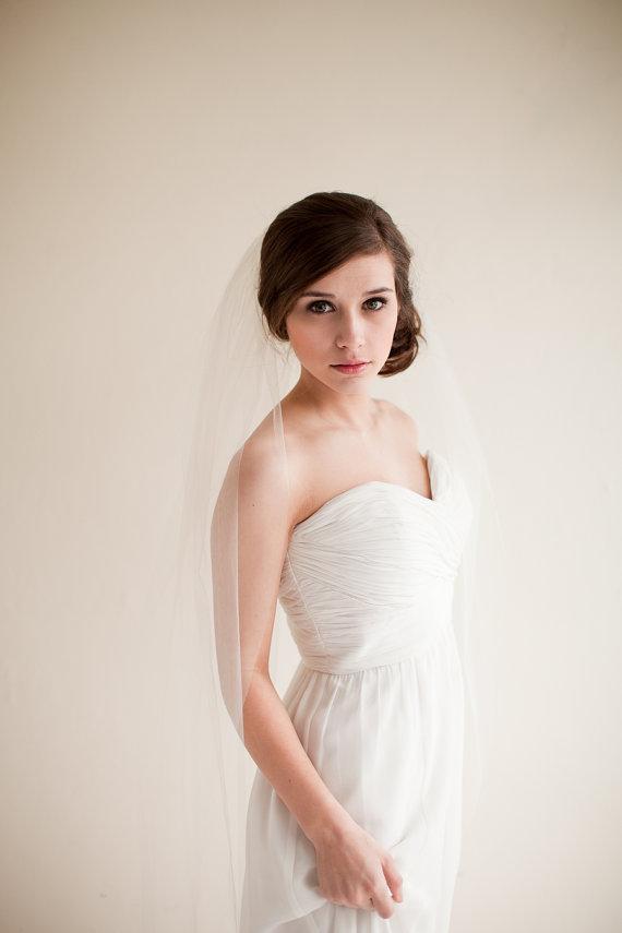 Mariage - Wedding Veil, Fingertip Length Tulle Veil, Bridal Veil, Tulle Veil, 40 inches - Clara Style 7713