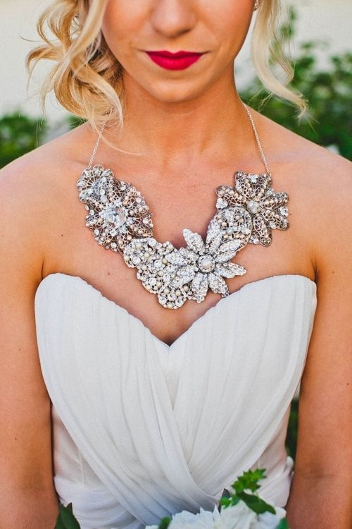 Свадьба - How To Wear A Statement Necklace – SRtrends