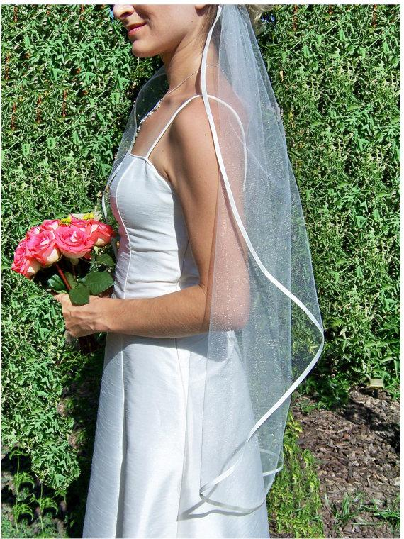 Свадьба - ON SALE, Fingertip Veil Ribbon Edge, Single Layer, 1 Tier, Satin Ribbon Edge Any Color