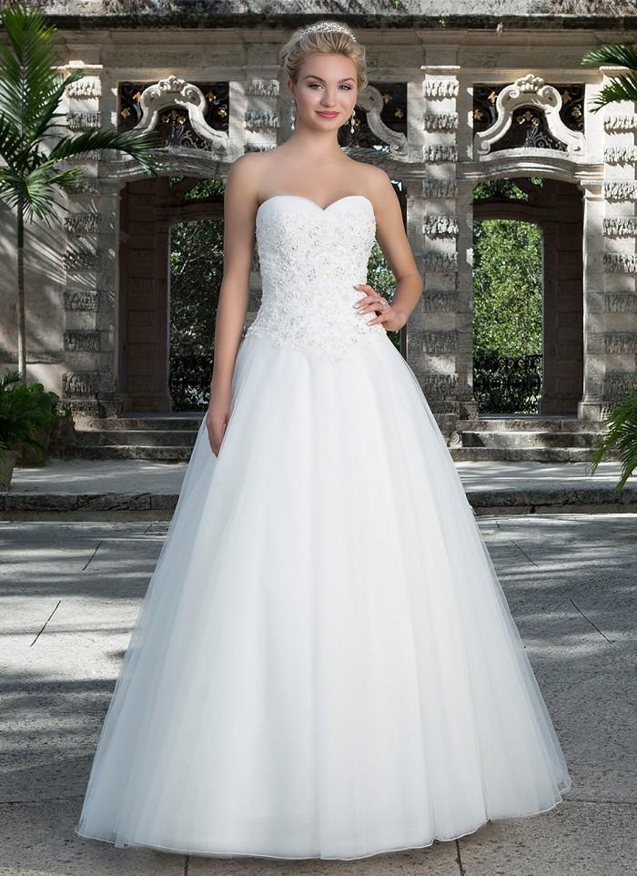 Tulle Sweetheart Neckline Court Train Wedding Dresses With Beaded ...