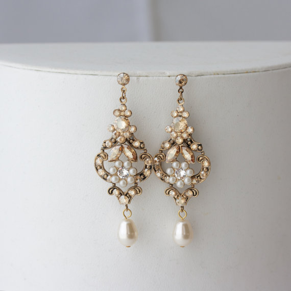 chandelier wedding earrings antique gold bridal earrings swarovski golden shadow crystal pearl. Black Bedroom Furniture Sets. Home Design Ideas
