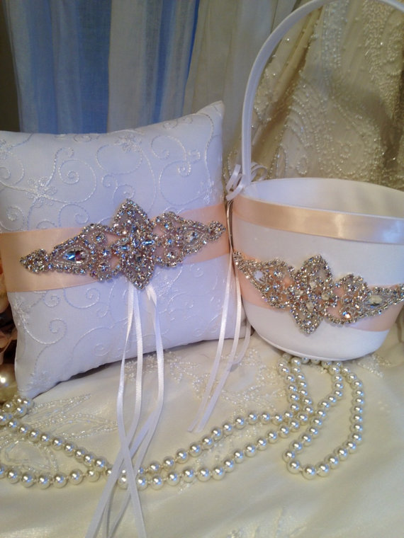 Customize wedding bridal accessories ring bearer pillow for Where to buy wedding accessories