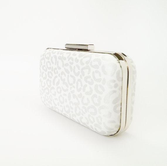 Mariage - silver cheetah clutch, silver bridesmaids gift, metallic silver clutch, silver wedding, silver bridal gift, bridesmaid gift idea, metallic