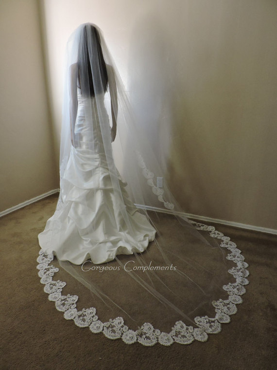 Mariage - Double Tier Wedding Veil w/French Alencon Lace on the Bottom