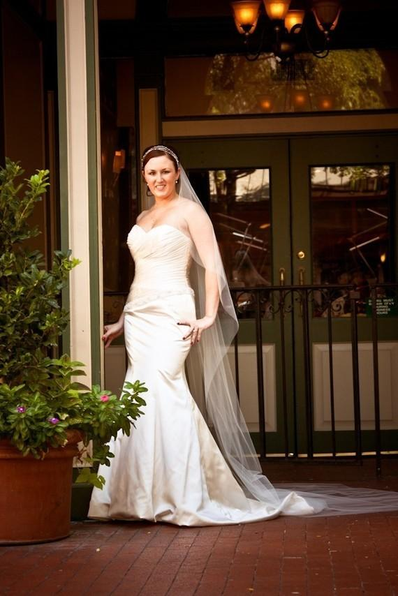 "Свадьба - Cascading 120"" Cathedral Sheer single layer  custom veil white, ivory or diamond"