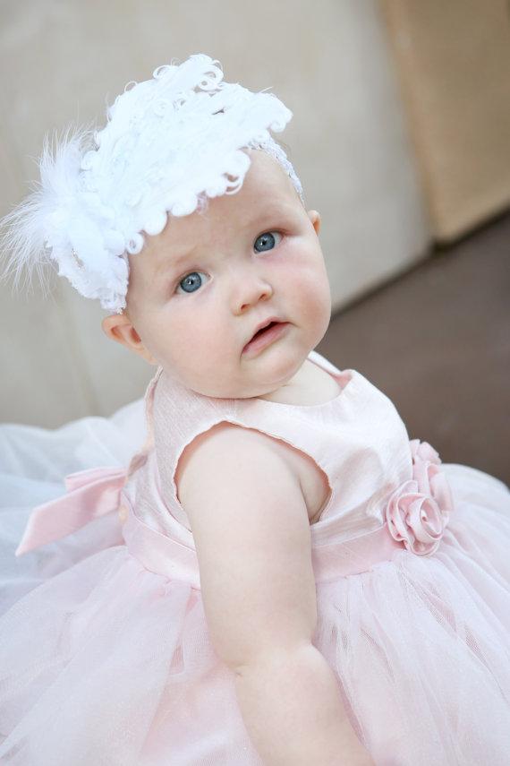 Mariage - White Baby headband, Baby headbands, white feather headband,baptism headband, Christening headband, Easter Headband ,baby girl headband.