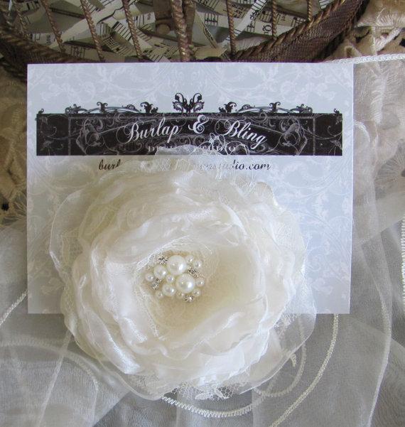Mariage - Ivory Bridal Hair Flower, Fabric Flower Hair Piece, Bridal Flower Hair Pin ,Wedding Hair Flower,Fascinator,Hair Accessory