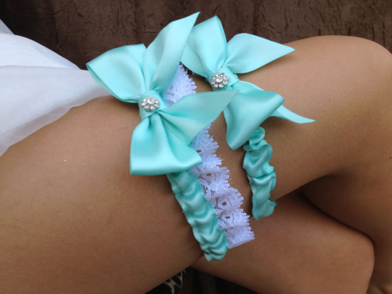 Mariage - Sale ((LOOK)) AQUA wedding garter set / bridal garter/ lace garter / toss garter included / wedding garter / vintage inspired lace garter..