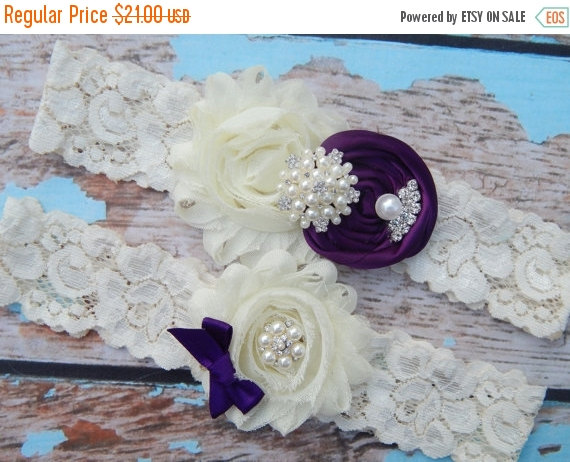 Hochzeit - ON SALE PLUM Wedding Garter Set / Bridal Garter / Deep Plum Bridal Garter / Keepsake Garter / Toss garter / Lace Garter / Garter Belt / Plum