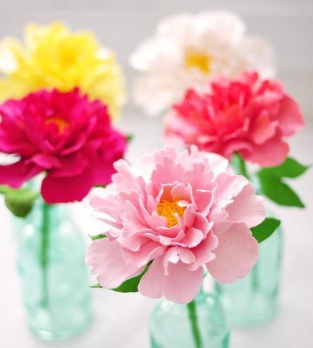 Mariage - Clay Peony Bloom In Aqua Vase