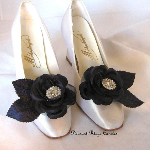 Свадьба - Navy Shoe Clips Wedding Shoe Clips Blue Shoe Clips Rhinestone Shoe Clips Rose Bridal Mother of the Bride Bridesmaids Choice Cheap Shoe Clip