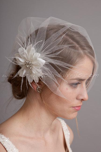 Свадьба - Bridal Birdcage Veil Set, Tulle Wedge Veil with Hand Cut Wild Rose Flower Fascinator, Wedding Veil Set
