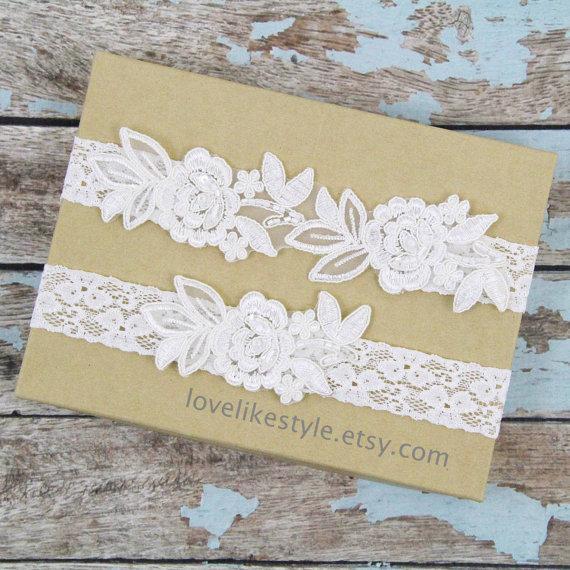 Wedding - Ivory  Embroidery Flower Lace Wedding Garter Set, Ivory Garter Set, Toss Garter , Keepsake Garter / GT-34A